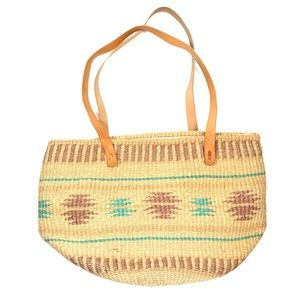 Straw tote leather shoulder straps